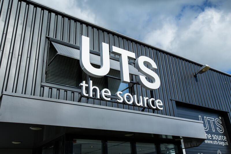 UTS Groothandel in Tassen Logo